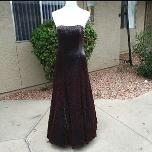 Dresses & Skirts - BURGUNDY GOWN